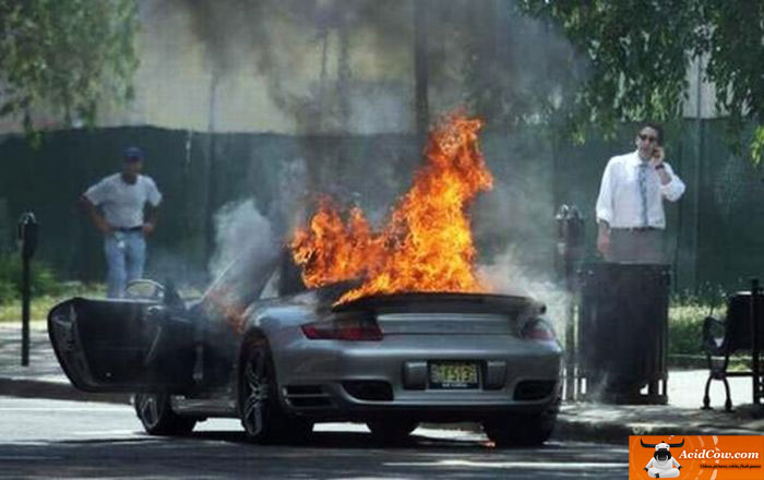 carro-pegando-fogo