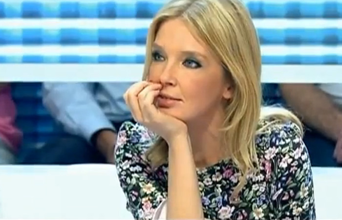 Apresentador faz barbie humana chorar na TV - Foto 5 - Esquisitices ...