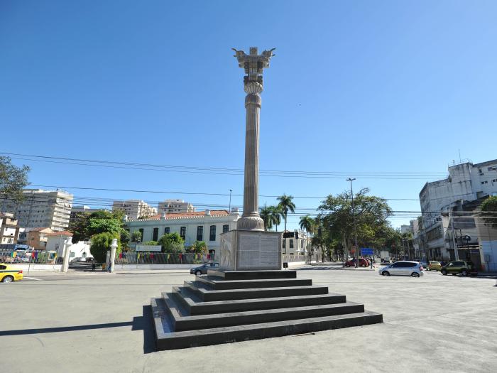 monumento-irã-700
