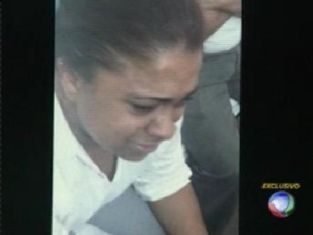 Moradores tentam linchar mulher que roubou dois bebês de ...