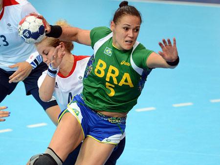 Jogadora da seleção brasileira de handebol sofre derrame na ...