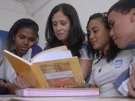 http://i2.r7.com/professora-agencia-brasil-hg-20121015.jpg