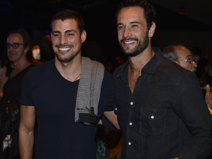 Col&iacute;rios: Cau&atilde; Reymond e Rodrigo Santoro se encontram em festa ...