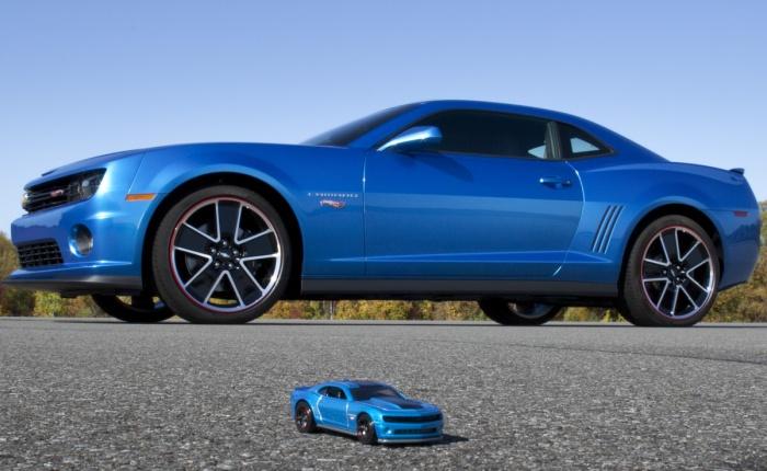 Entre os lançamentos e novidades apresentadas esta semana, um Chevrolet Camaroatraiu muitos olhares. O modelo é uma versão de uma miniatura de uma empresa...