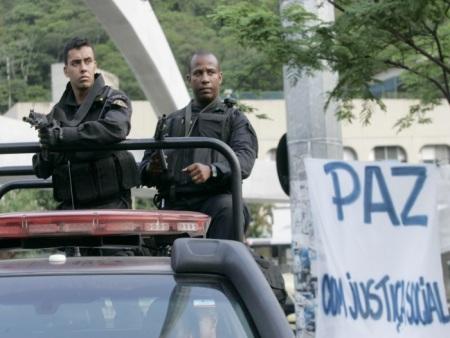 Rocinha: 1 ano após ocupação, homicídios, estupros e roubo a ...
