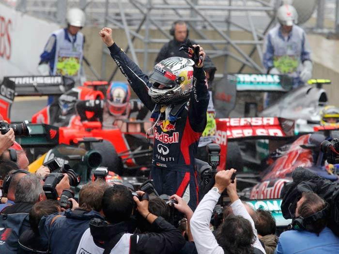 Vettel chega em sexto no Brasil e é tricampeão da F1 ...
