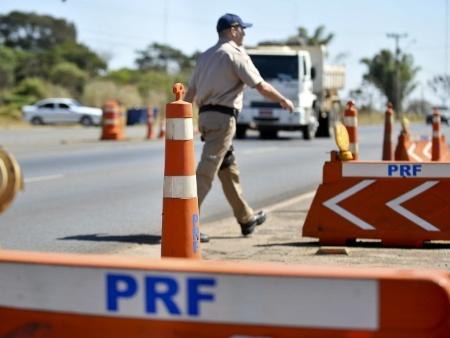 Para a PRF, motoristas do DF precisam ter mais prudência na hora de pegar as estradas