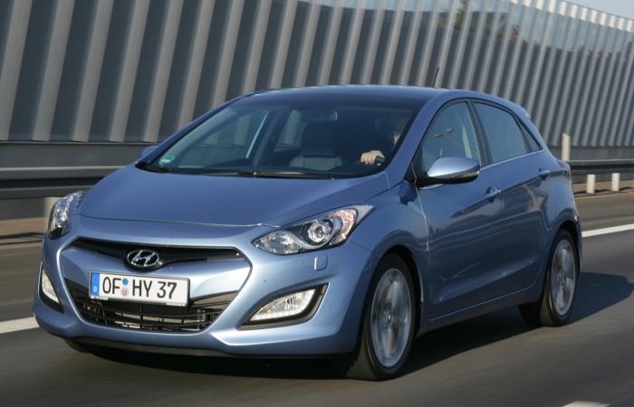 A chegada do novo Hyundai i30 marca o início da onda de lançamentos de automóveis médios. O segmento ainda terá em 2013 os novos Citroën C4, Ford Focus, Ki...