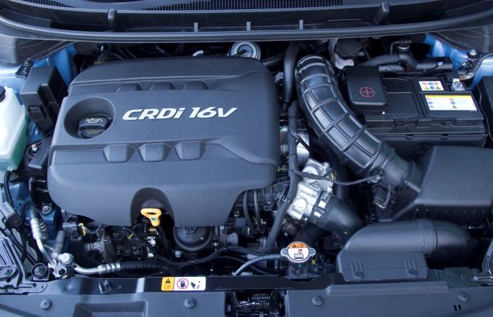 """Apesar da abundância de equipamentos, o novo Hyundai i30 passará por um """"rebaixamento"""" sob o capô: sai o atual motor 2.0 e entra o propulsor 1.6 flexde 12..."""