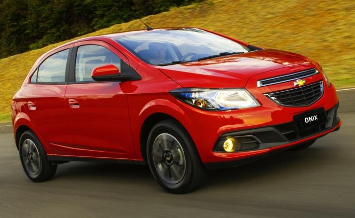 Chevrolet Onix 1.0 LS — Passou de R$ 29.990 para R$ 30.790Confira tambémChevrolet anuncia recall do Onix por problemas na rodaHyundai HB20 fica R$ 1.00...