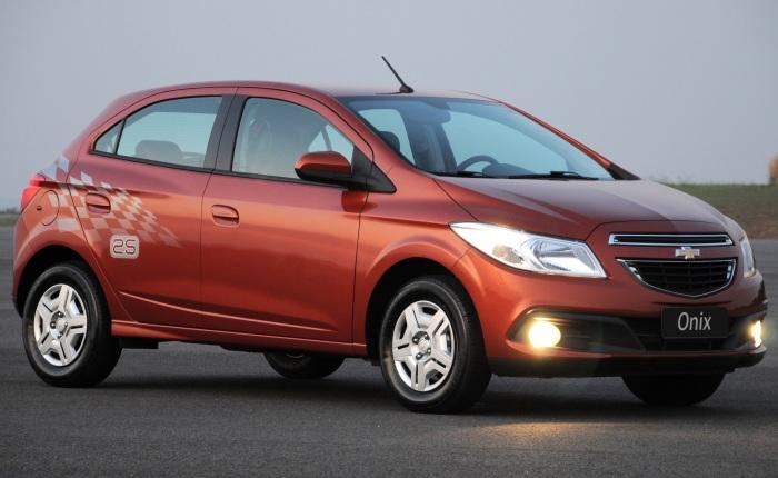 Chevrolet Onix 1.4 LTZ — Passou de R$ 41.990 para R$ 43.090Confira tambémChevrolet anuncia recall do Onix por problemas na rodaHyundai HB20 fica R$ 1.0...