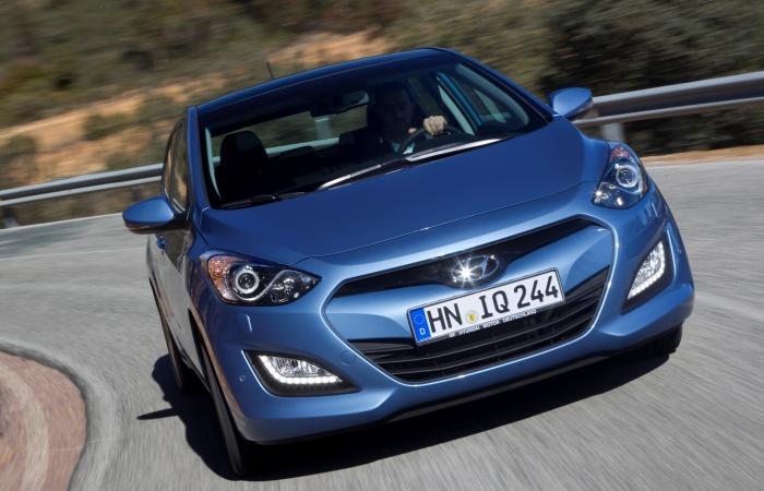 Com produção nacional, a tendência é que o novo Hyundai i30mantenha a opção do motor 1.6 flex eganhe variantes mais simples (e baratas), para brigar na f...
