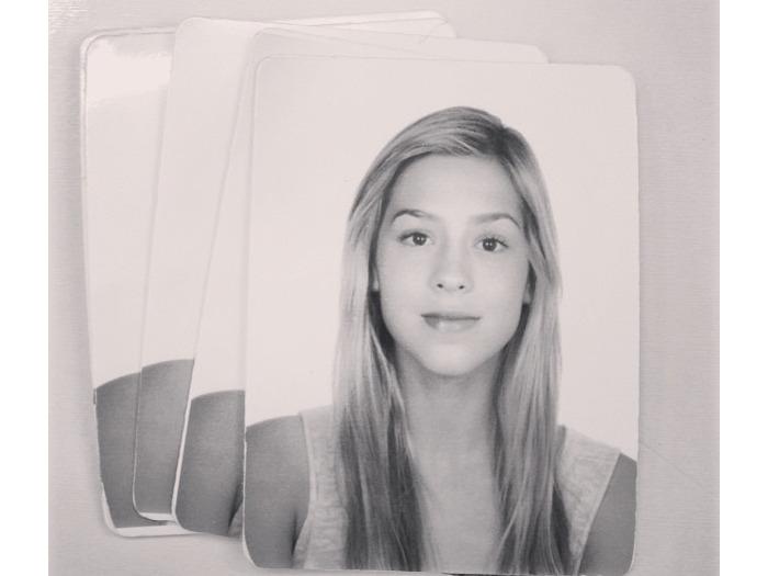 Sophia Abrahão mostra foto do seu RG - Jovem - R7