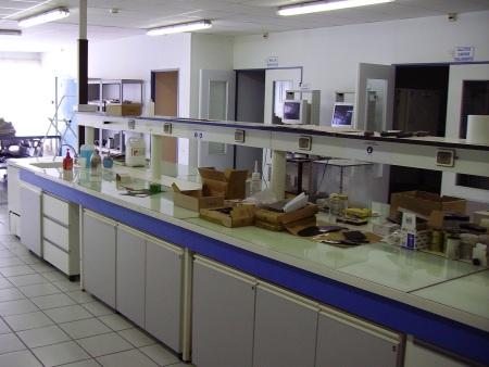 http://i2.r7.com/laboratorio-hg.jpg