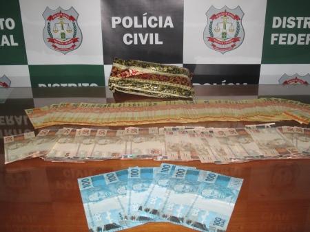 Mais dinheiro encontrado no DF: polícia procura dono de R$ 7.600 jogados em uma garagem do Cruzeiro