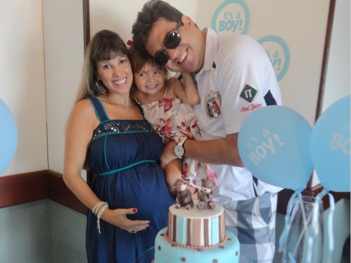 Ex-paquita Roberta Cipriani faz chá de bebê para seus gêmeos ...