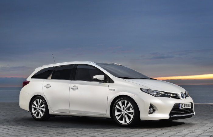 O Salão de Genebra ocorre só no próximo mês, mas a Toyota já adiantou os modelos que irá lançar no evento europeu. Entre as novidades está a versão de prod...