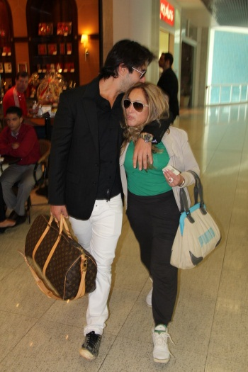 Susana Vieira e Sandro Pedroso namoram em aeroporto - Foto 6 ...
