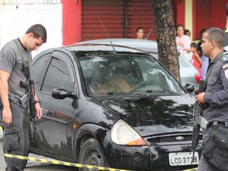Homem é encontrado morto dentro do próprio carro em Realengo