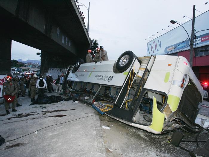 Acidente ônibus