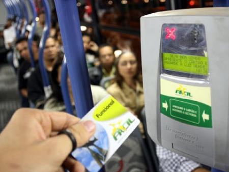 Recarga do cartão do passe estudantil passará a ser automática