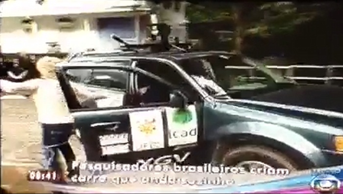 Ana Maria Braga sofre acidente ao vivo com carro que anda sozinho