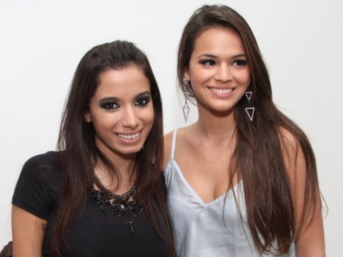 Sem Neymar e de shortinho, Bruna Marquezine curte show da MC ...