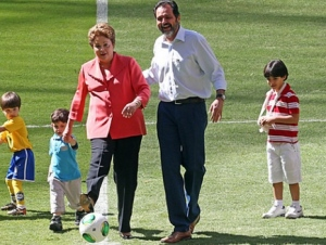 Dilma entrar para a histria com a Copa do Mundo