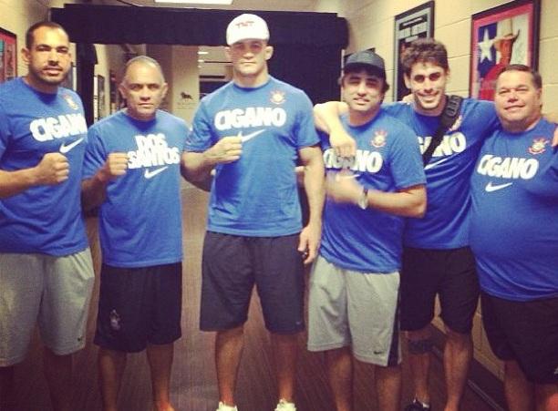 """Treinador elogia forma física de Cigano para retorno ao UFC: """"A ..."""