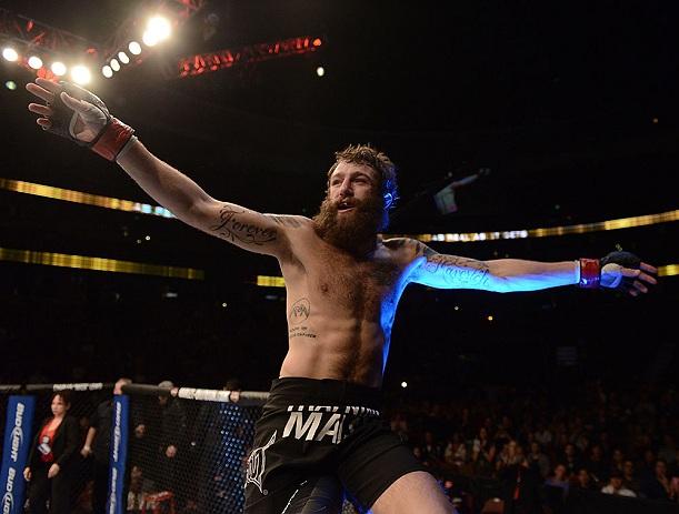 Lutador do UFC revela ter medo de contrair sífilis da barba de astro ...