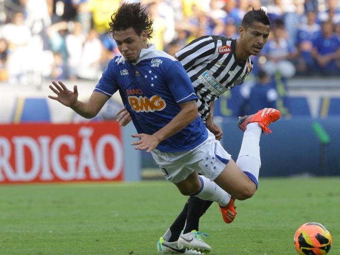 Cruzeiro contra Santos no Mineirão