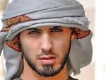 Modelo árabe ganha mais de 100 mil curtidas em um dia