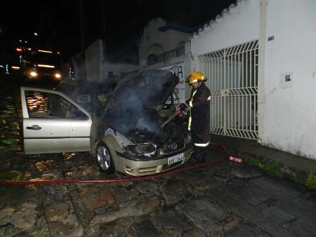fogo em carro