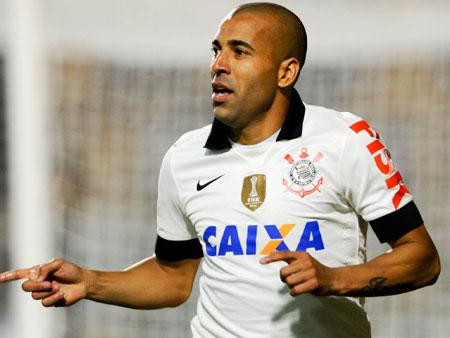 """Autor do gol da vitória, Sheik ressalta união no Corinthians: """"o time todo ganhou"""""""
